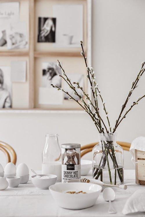 ML_6498A creative way of hanging artwork in an easter setting - via cocolapinedesign.com