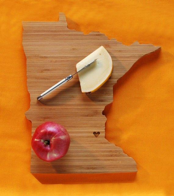MN cutting board: Mn Cut, States Cut, Minnesota States, Gifts Ideas, Cut Boards, Cutting Board, Hostess Gifts, Minnesota Cut, Aheirloom Minnesota