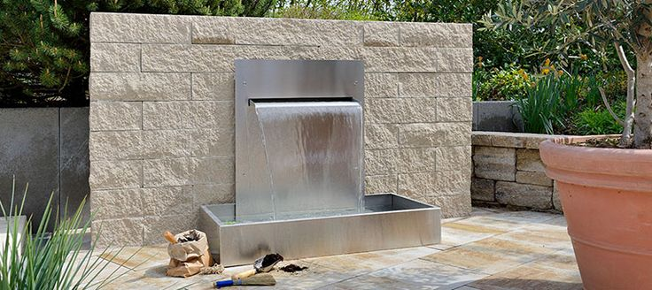 25 best outdoor water features images on pinterest - Wasserwand outdoor ...