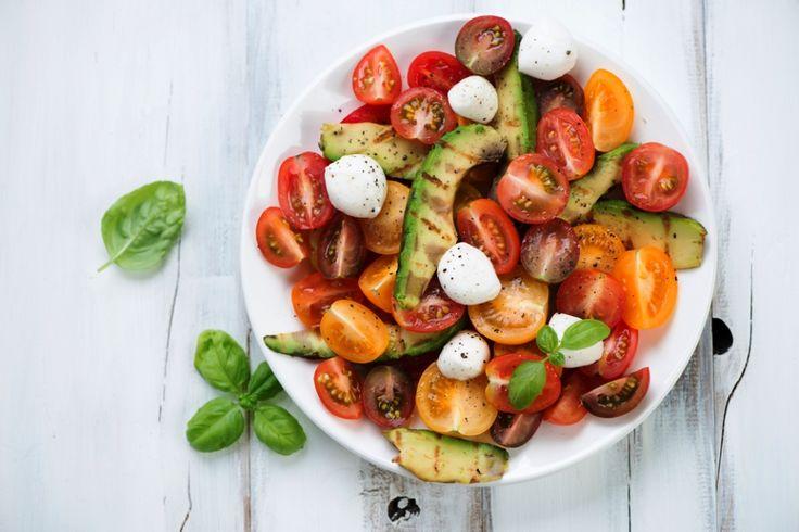 Καλοκαιρινή σαλάτα για αποτοξίνωση Ιδανική συνταγή για όσους θέλουν να αποβάλλουν τις τοξίνες από τον οργανισμό.