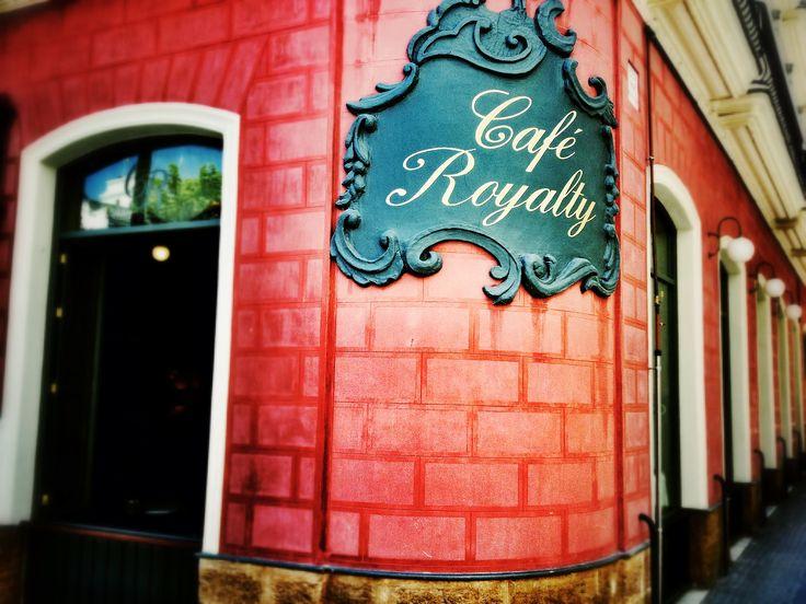 Café Royalty, Cadix. © Copyright Yves Philippe