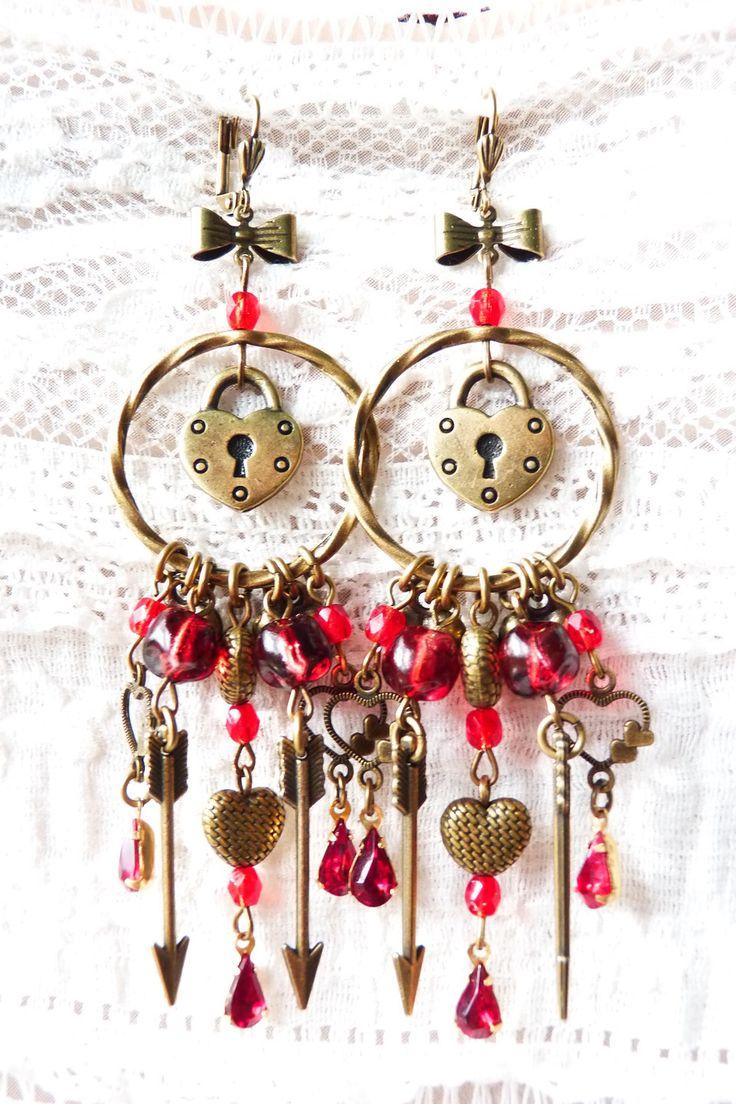 Adorables BO - Be My Valentine - Breloques Coeurs - Rouge - Perles Swarovski - Perles en verre - Flèches - Romantiques : Boucles d'oreille par krissa