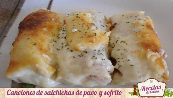 Canelones de salchichas de pavo con sofrito -  Las salchichas son muy queridas por los niños, es por ello, que hoy las he querido preparar en forma de canelón para que coman salchichas y verduras a la vez, ya que el relleno también lleva un rico sofrito. Estos canelonesde salchichas son toda una receta de aprovechamiento, ya que e uti... - http://www.lasrecetascocina.com/2013/09/09/canelones-de-salchichas-de-pavo-con-sofrito/
