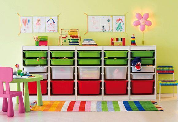 Muebles para los juguetes a todo color!
