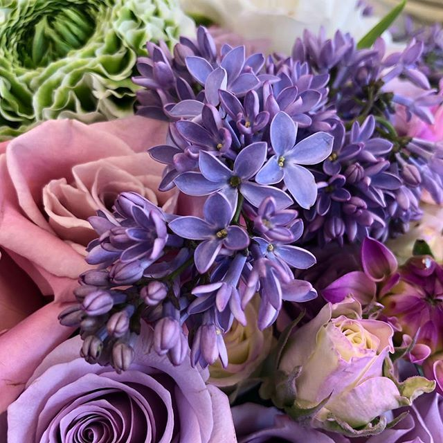 Lilac Details Up Close Did You Know Purple Lilacs Symbolize The First Emotions Of Love The Fresh Flower Delivery Flower Delivery Beautiful Flower Arrangements