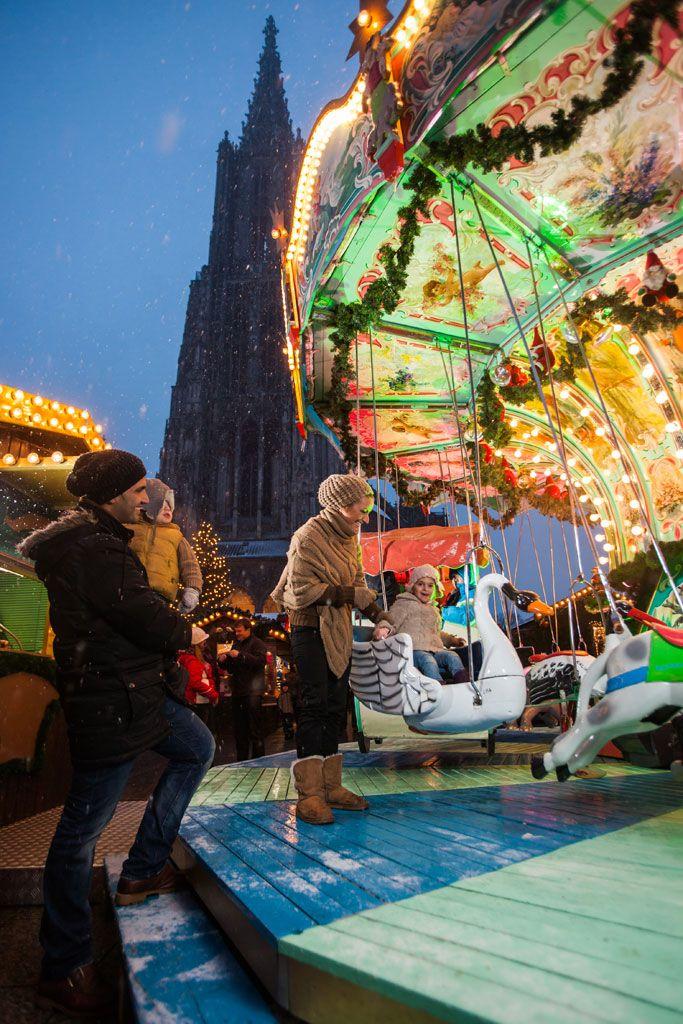 Weihnachtsmarkt Ulm - am Fuße des höchsten Kirchturms der Welt. #Christmas market. #Baden-Württemberg, #germany