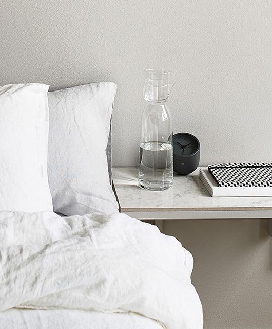 DIY bedside table. Marmor kakel och konsol. /trendenser: En av Sveriges största bloggar om inredning och design.
