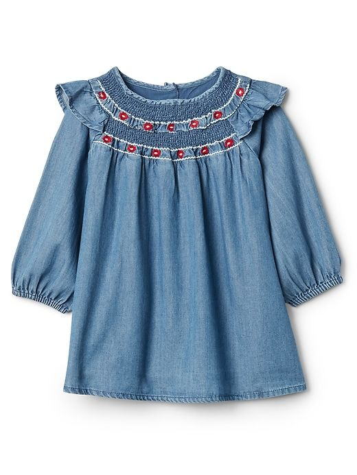 smocked chambray dress with flutter sleeves for my toddler fashionista #chambray #toddlerfashion #affiliate