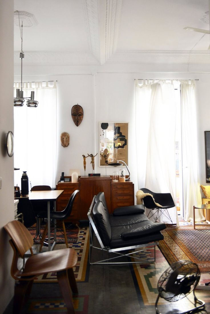 A Cultivated & Relaxed Valencia Apartment