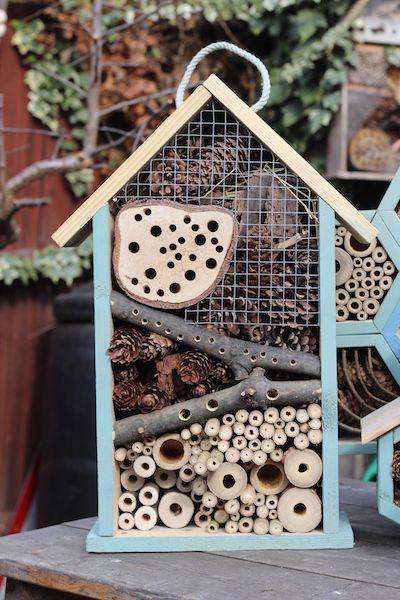 Ein Insektenhotel für Garten und Balkon – ganz einfach!