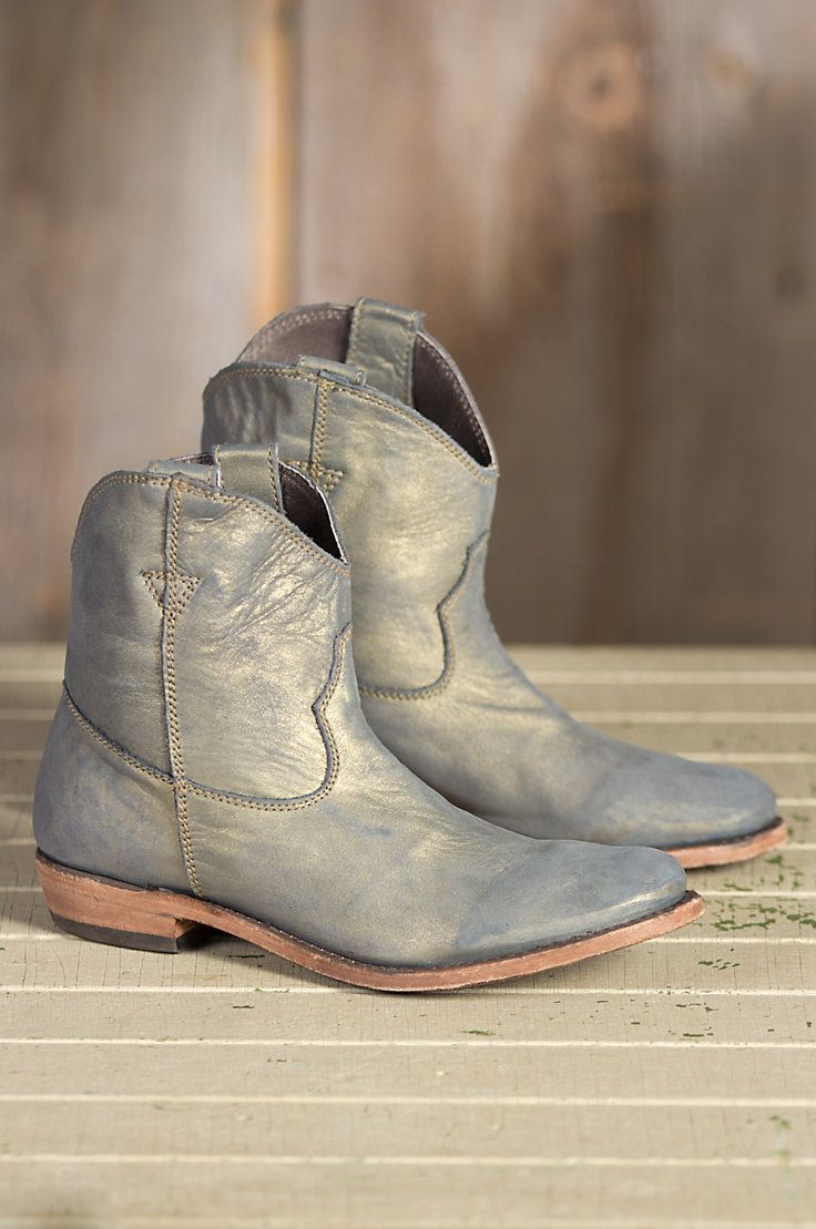 Women�s Liberty Black American Metallic Leather Boots by Overland Sheepskin Co. (style 52412)
