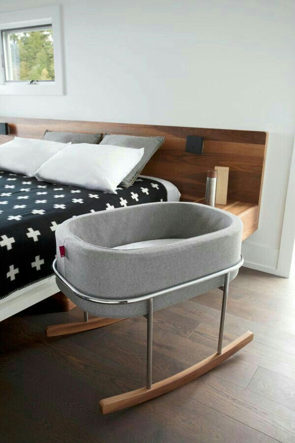 In love met deze wieg, wauw !  Cheap Baby Bassinets: http://www.theproductguide.net/top-10-cheap-bassinets-for-your-baby-2/