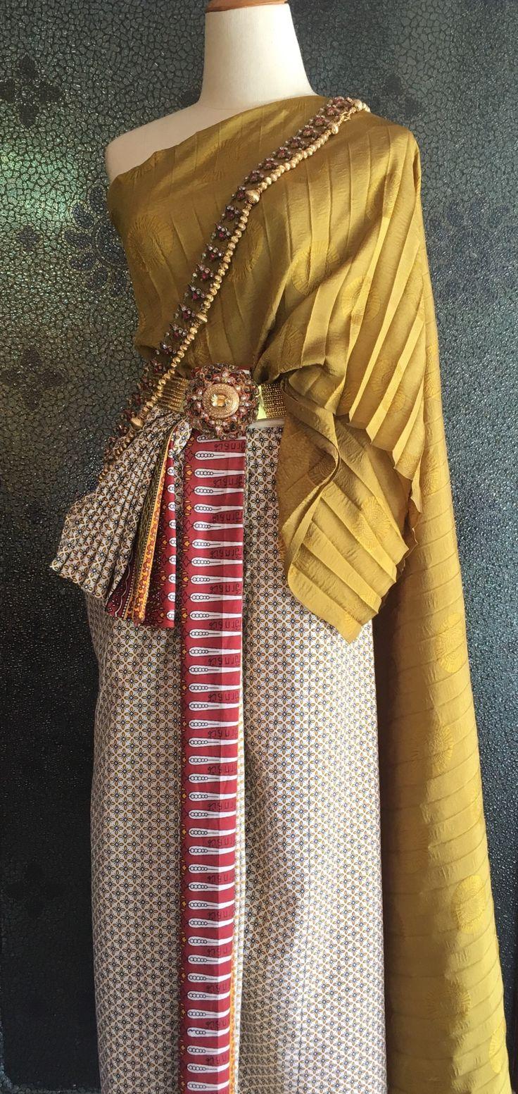 ผ้าห่มแพรเหลืองจำปา นุ่งผ้าพิมพ์ (มัสกาตี) นวลเหลืองอ่อน