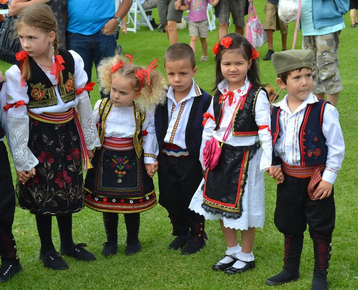 Serbian childrens in traditional clothes. | Srbija ...