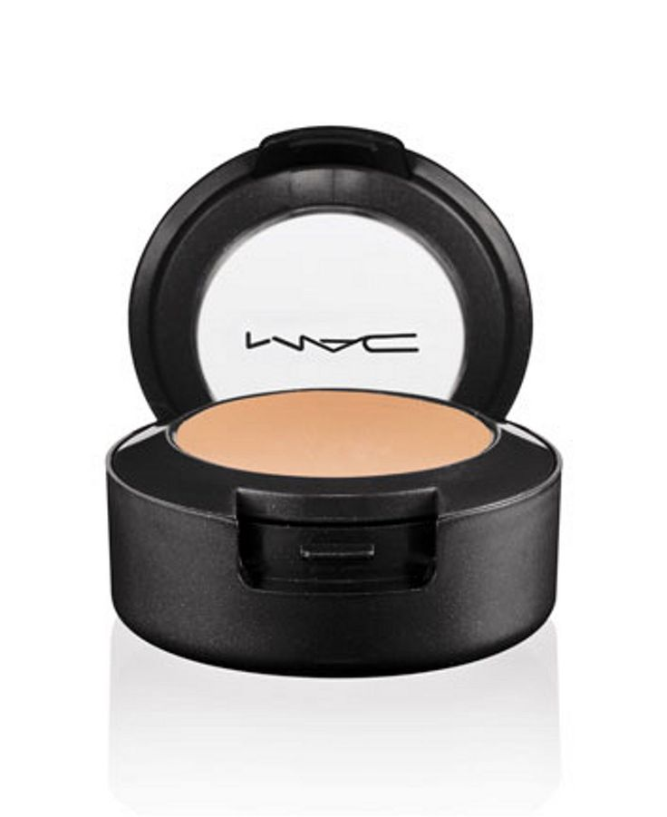 MAC Studio Finish Concealer -  current makeup obsessions