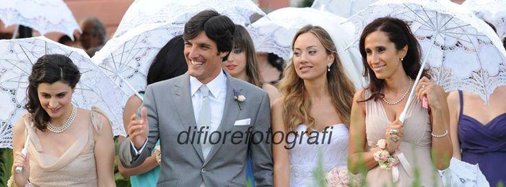 Idee originali matrimonio. L'ombrello personalizzato per proteggersi non solo dalla pioggia.