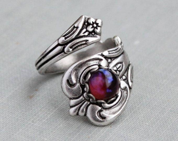 Anello di cucchiaio di draghi respiro opale di fuoco