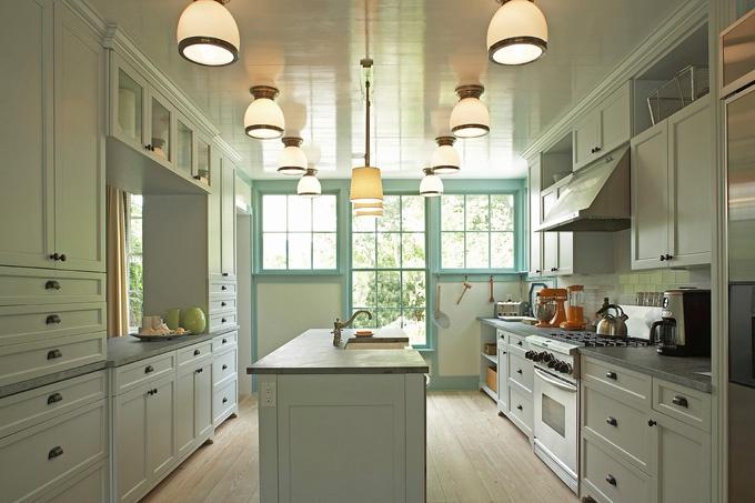 Kitchen Walls: Hollingsworth Green HC-141 Trim: Covington ...