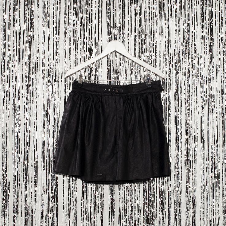 #jeansstore #fallwinter14 #fall #winter #autumn #autumnwinter14 #onlinestore #online #store #shopnow #shop #fashion #sale #skirt #pepejeans #black #lali #standardfit