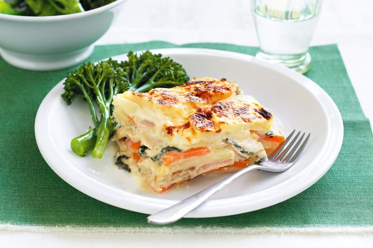 Our+hearty,+budget-friendly+bake+has+layers+of+chicken,+bacon,+mushrooms+and+spinach.+Make+it+on+the+weekend,+then+freeze+it+for+a+no-fuss+meal+when+you+really+need+it.