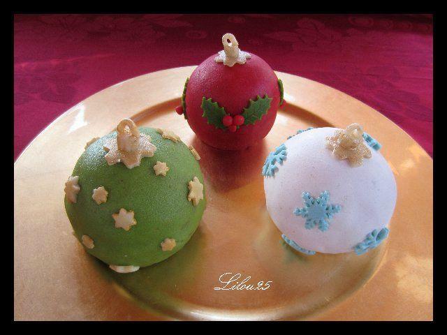 Gateau De Fete De Noel.Gâteaux Boules De Noël Gâteaux En Fête De Lilou 25 Noël