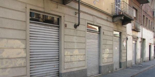 Negozi chiusi nella Capitale. Secondo l'indagine di Confesercenti a Roma sono state chiuse 1.140 imprese in 3 mesi