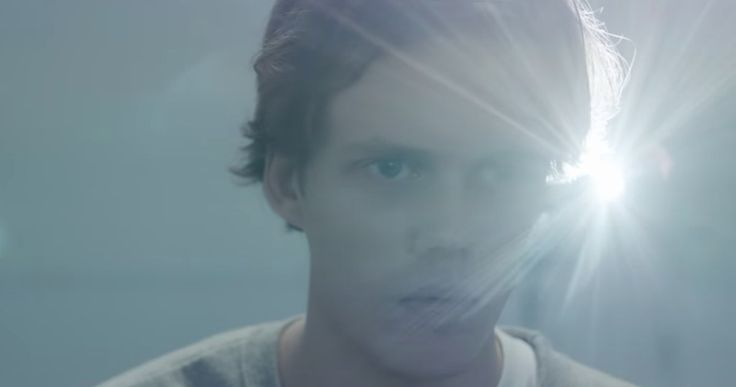 Stephen King's Castle Rock Trailer Creeps Inside J.J. Abrams' Series -- Get your first look at the characters who inhabit the world of Stephen King's Castle Rock while the stars discuss the show at NYCC. -- http://tvweb.com/castle-rock-trailer-stephen-king-hulu/
