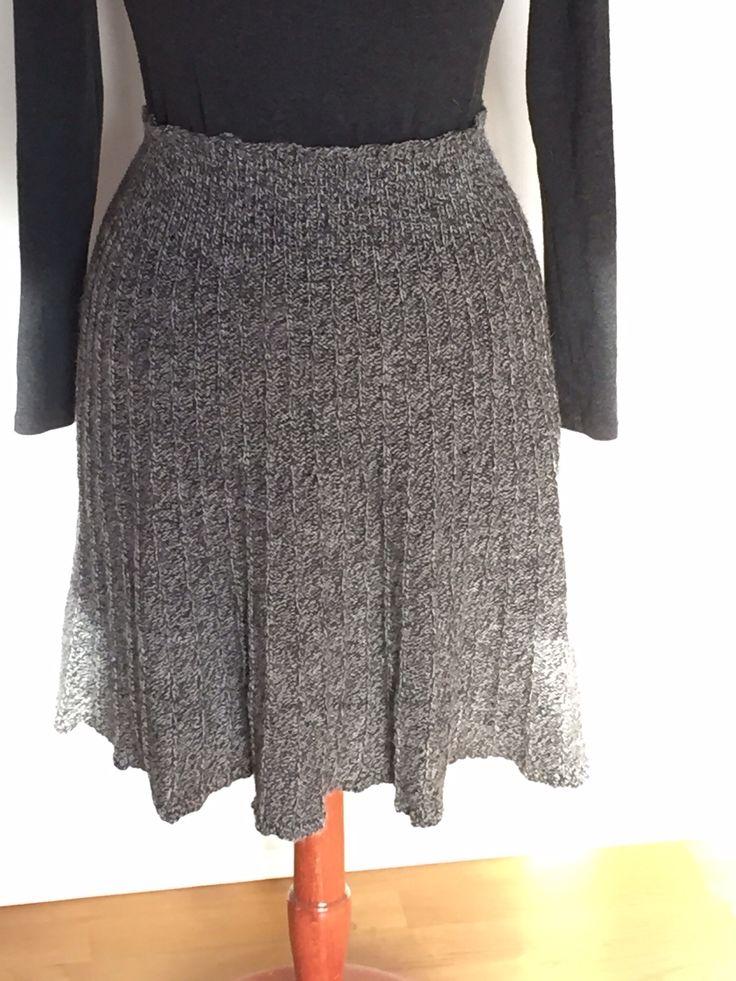 Strikket nederdel i strømpegarn