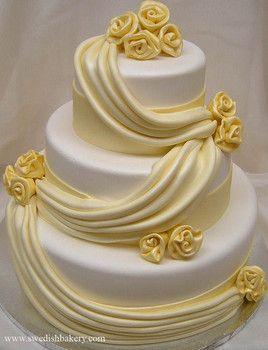 I taste refreshing lemon.  This is a gorgeous cake.
