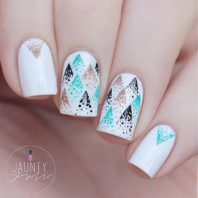 New tutorial up on my channel! Make sure to check the description of the video for a link to the inspiration or else this just looks plain whack! #nailart