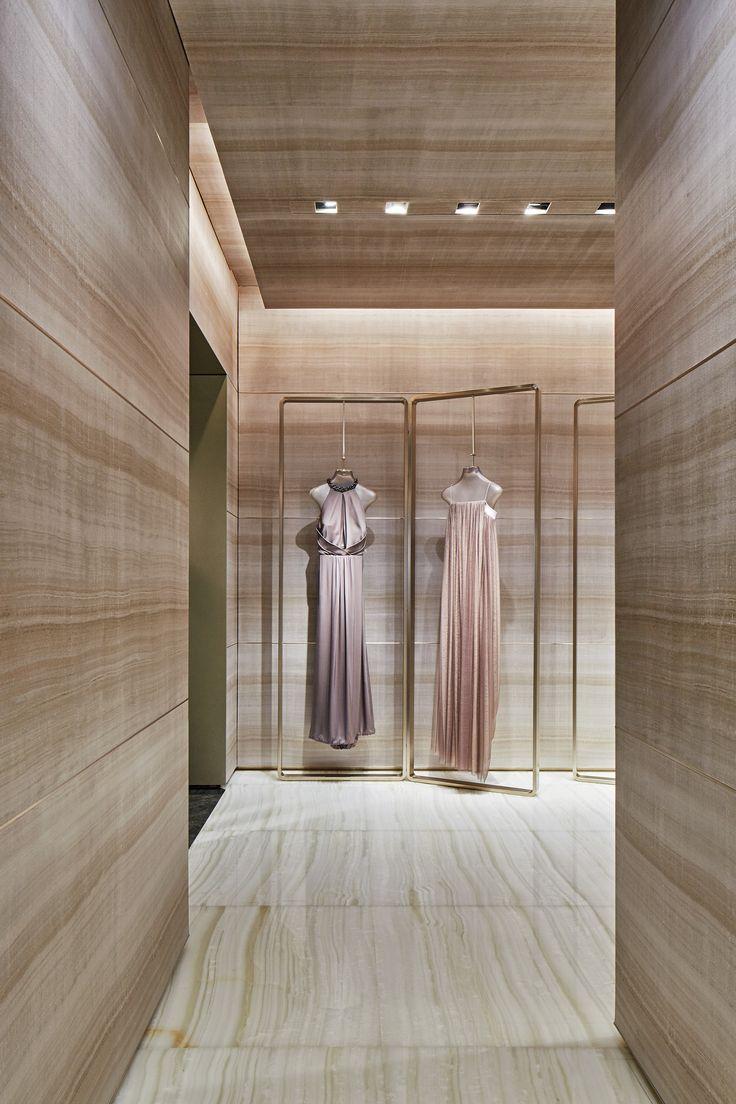 Giorgio armani boutique via montenapoleone milano af for Store design milano