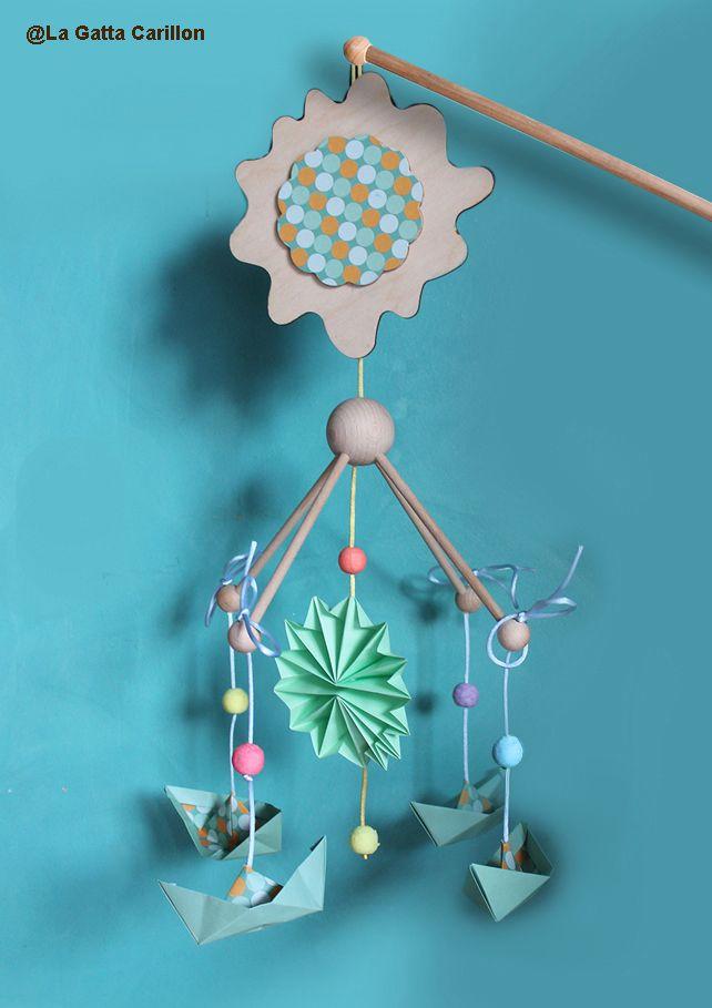 Wooden baby crib mobile music box - Cradle - with paper boat! Carillon da culla in legno con barchette di carta.