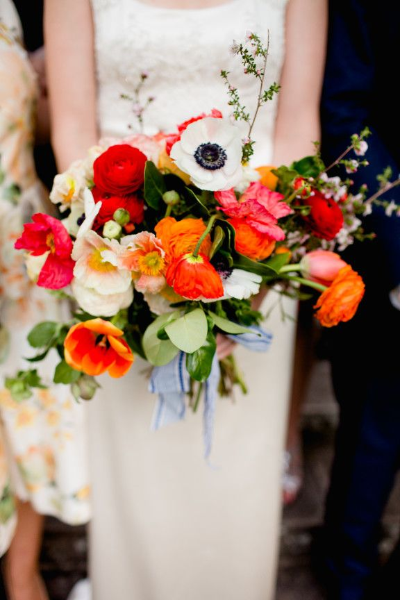 423 best bouquets images on pinterest wedding bouquets alexandra phillips glamorous backyard barbecue wedding mightylinksfo