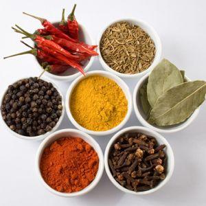 Специи и пряности - это не неотъемлемая частица каждой кухни. Они к нам попали ещё с древних времён Китая и Индии. Приготовления пищи с использованием специи и пряностей, целая наука и культура