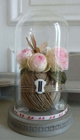 Jute and pink roses