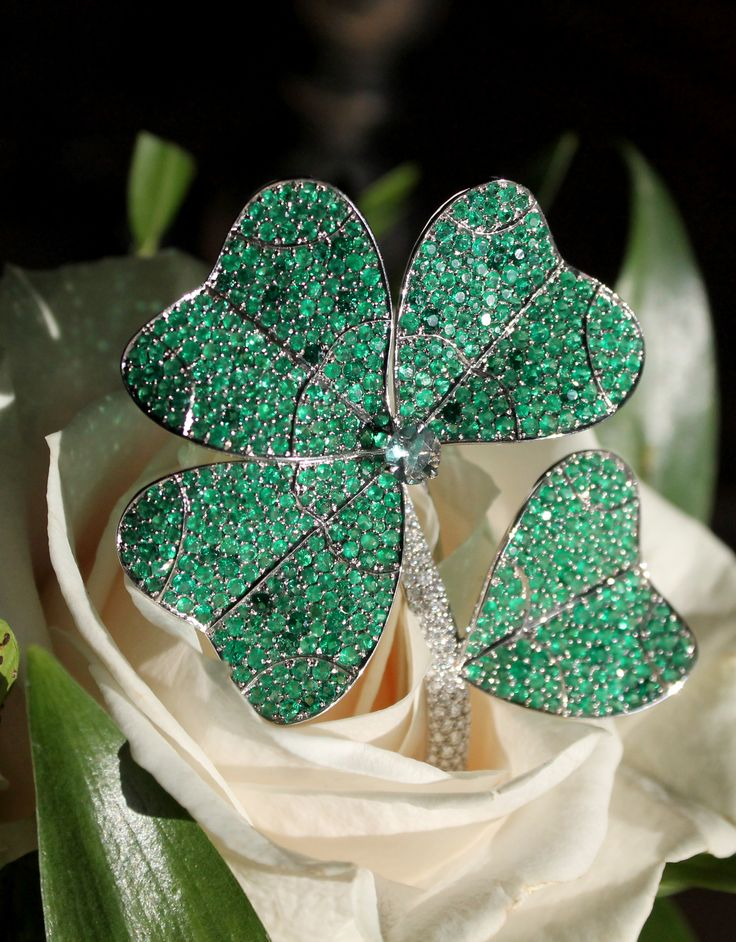 AENEA Quadrifoglio emerald and diamond four leaf clover en tremblant brooch. In a rose with sunlight. Photo in Salzburg, Austria. Floral and nature inspired jewellery design, for the fashion forward and classic lady. http://www.thejewelleryeditor.com/jewellery/article/aenea-jewellery-austria-salzburg/ #jewelry