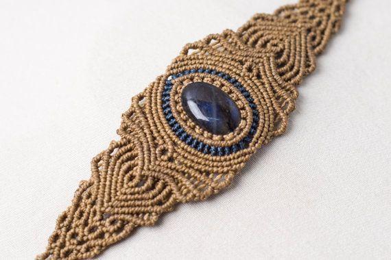 Macrame Labradorite Bracelet, macrame cuff,  gemstone macrame, vintage jewelry, jewelry in macrame, lady gift, women jewelry, blue, beige