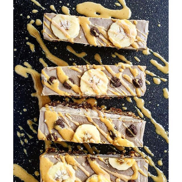 Raw Peanut Butter And Banana Ice Cream Slices via @feedfeed on https://thefeedfeed.com/raw-desserts/leefromamerica/raw-peanut-butter-and-banana-ice-cream-slices