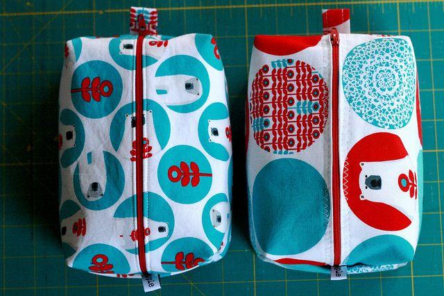Adorable zipper bags from Apple Cyder using my Brrr! fabric from Robert Kaufman.