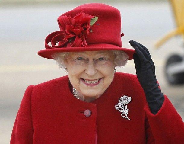 Hello, Elizabeth! smiling Queen in red