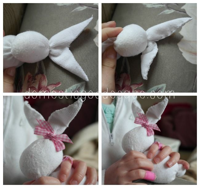 How to make a sock bunny, and twenty other great bunny crafts for Spring and Easter.