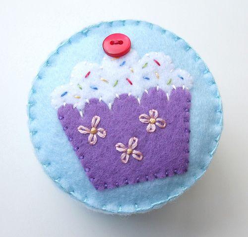 Cupcake pincushion tutorial
