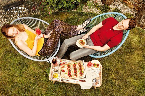 Relaks w plenerze. #faktoriawin #relaks #garden #wine #rozowewino #gardenlunch #lunchtime #food #wino #narandke #relaks
