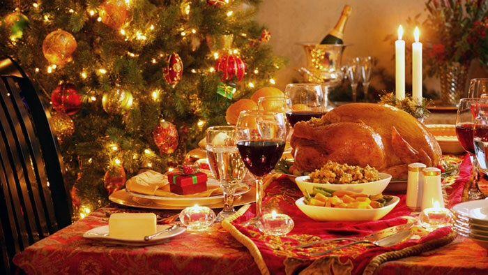 Natale: le spese per il pranzo superano quelle per i regali