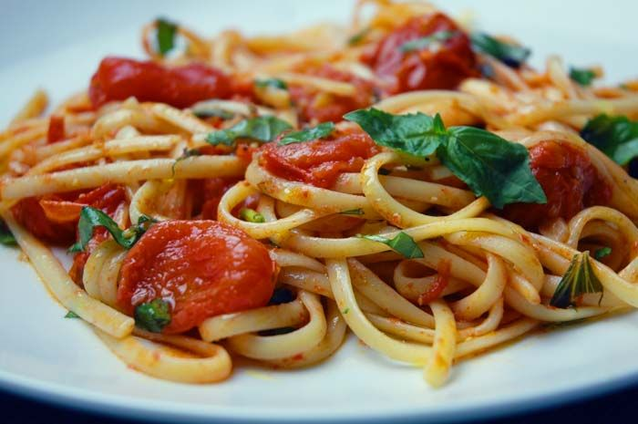 Nikki Dinki Cooking - Home - Burst Tomato Pasta. The BEST pasta sauce I've ever made. SOOO GOOD.