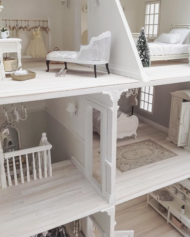 Another day at the dolls house... Have a fabulous Saturday lovely friends! whiteandfaded one IG