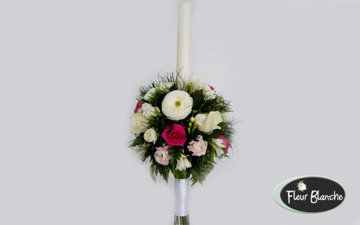 Variées - realizate din trandafiri si frezii  http://www.florariafleurblanche.ro/produs/lumanare-varies