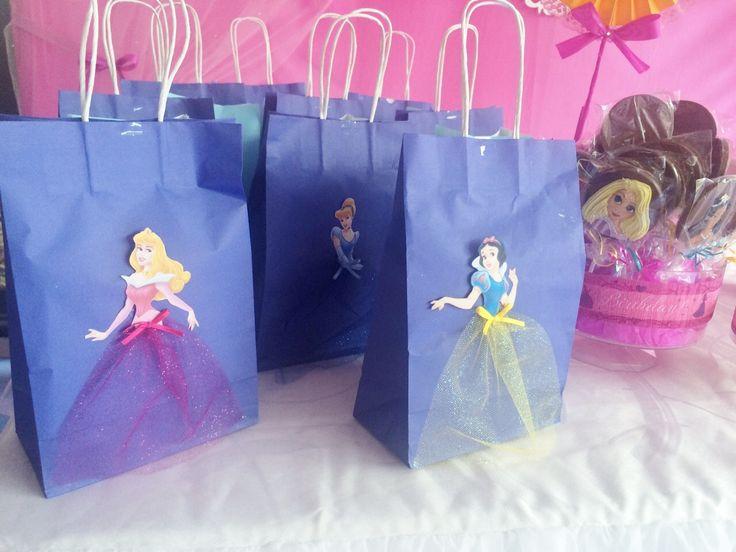 Bolsas de regalitos sorpresas princesas de disney - Decoracion fiesta princesas disney ...