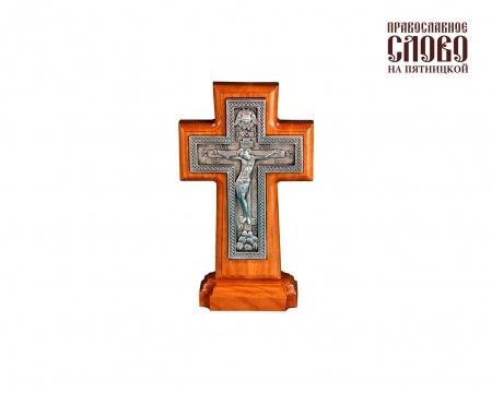 Крест деревянный (Г) 17123, с вклейкой из гальваники, на подставке, пс, с витейкой.