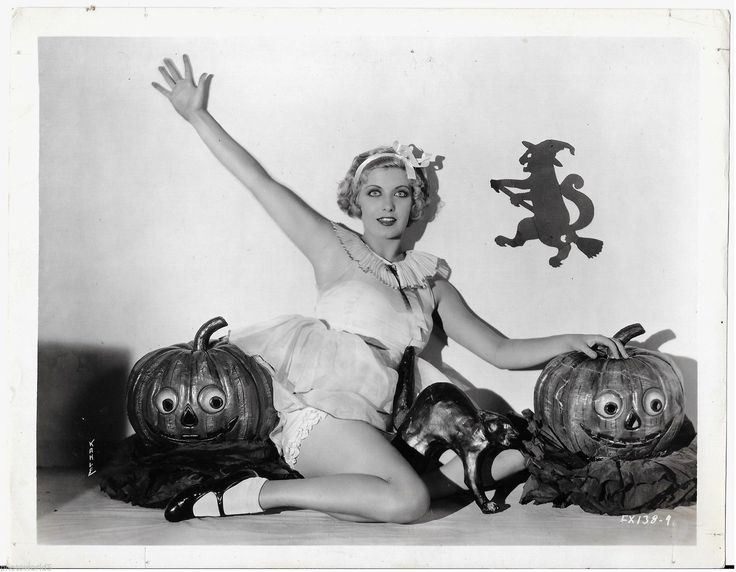 Pretty Jean Bary Knickers Showing Vintage 8x10 Halloween Cheesecake Pinup Photo | eBay